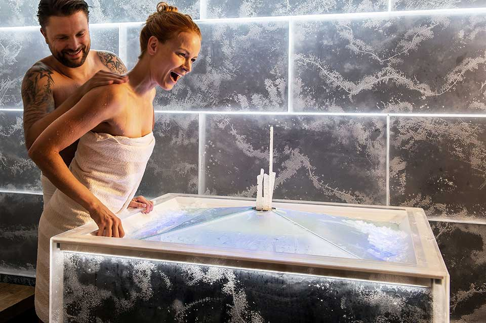 Ice fountains for spas