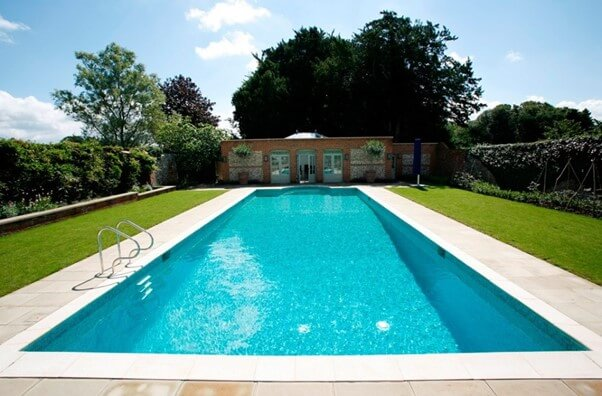 SWIMMING POOL SPACE