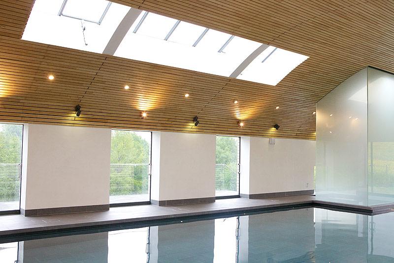 Экологичный крытый бассейн в Суссексе